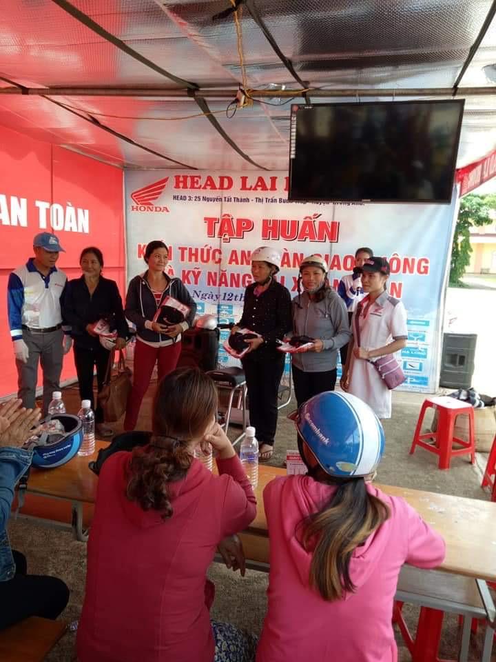 Hội Liên hiệp Phụ nữ xã Ea Na, huyện Krông Ana tổ chức tập huấn kiến thức an toàn giao thông và kỹ năng lái xe an toàn