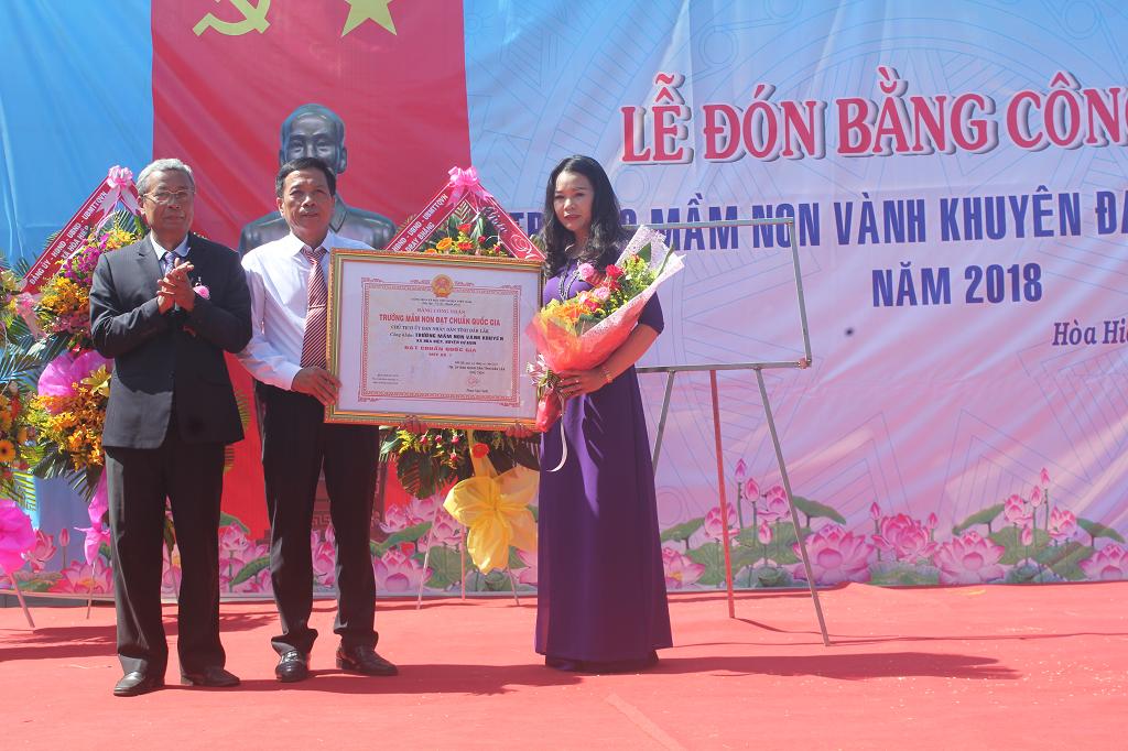 Trường Mầm non Vành Khuyên xã Hòa Hiệp được công nhận Trường đạt Chuẩn Quốc gia mức độ I