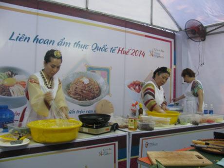 Tham gia Liên hoan Ẩm thực Quốc tế - Huế 2016