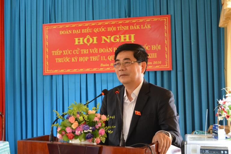Bộ trưởng Bộ Nông nghiệp và Phát triển nông thôn Cao Đức Phát tiếp xúc cử tri tại thị xã Buôn Hồ.