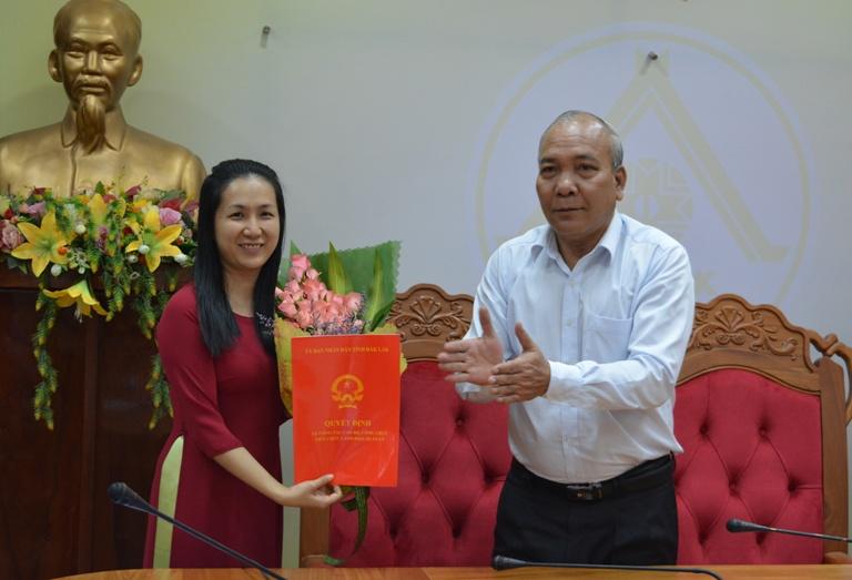 Công bố Quyết định điều động, bổ nhiệm chức vụ Phó Chánh Văn phòng UBND tỉnh.