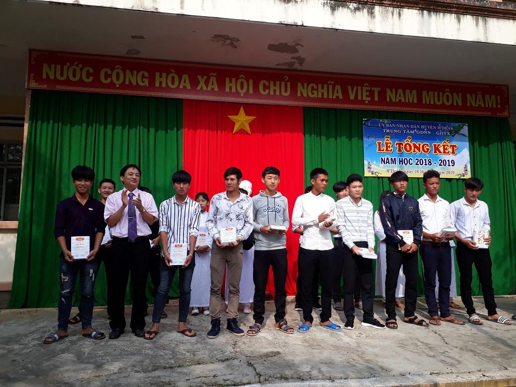 Trung tâm Giáo dục nghề nghiệp- Giáo dục thường xuyên huyện M'Đrắk tổng kết năm học (2018 – 2019)