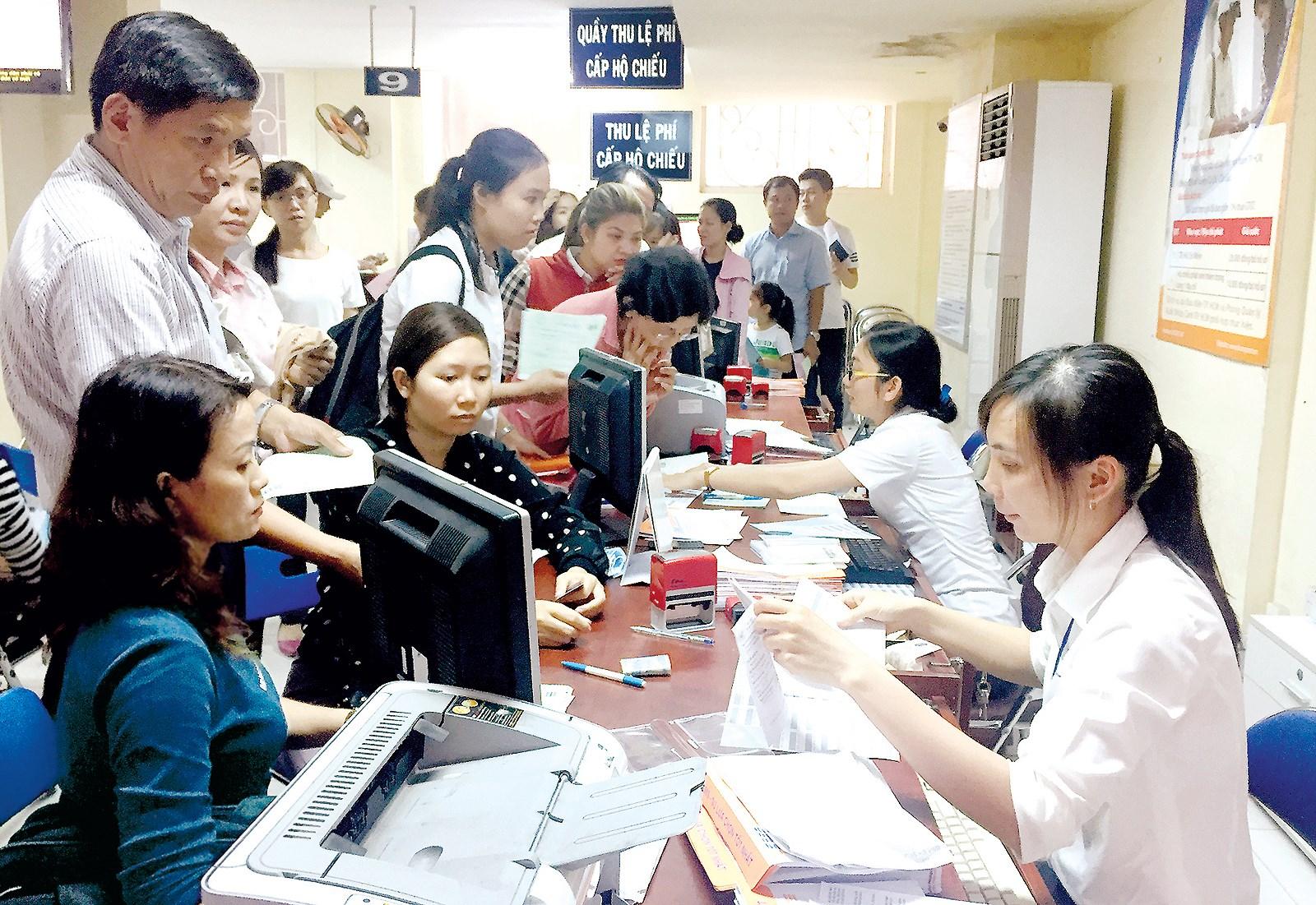 Xem xét, giải quyết đề xuất của Ngân hàng TMCP Ngoại thương Việt Nam – Chi nhánh Đắk Lắk về cung cấp dịch vụ thu hộ phí, lệ phí trong giải quyết thủ tục hành chính