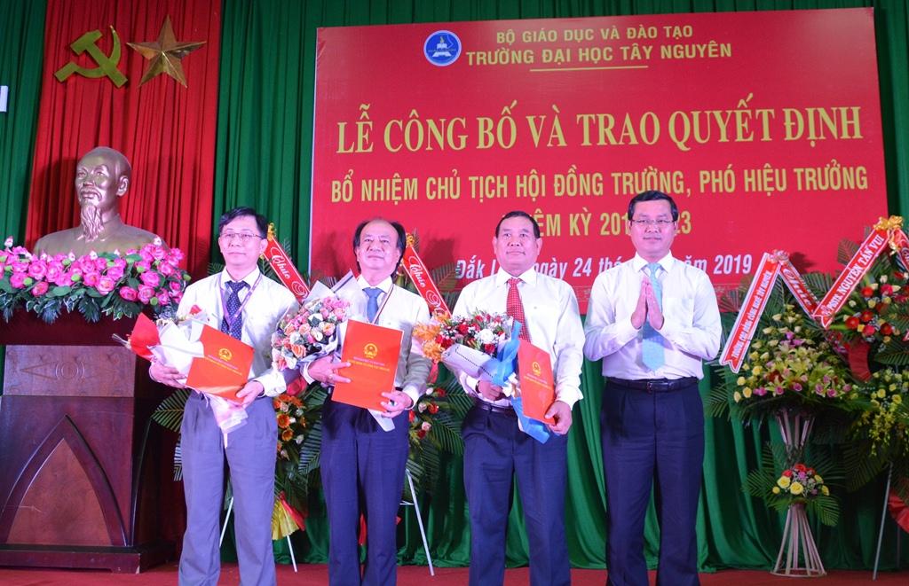 Bổ nhiệm Chủ tịch Hội đồng trường và các Phó Hiệu trưởng Trường Đại học Tây Nguyên