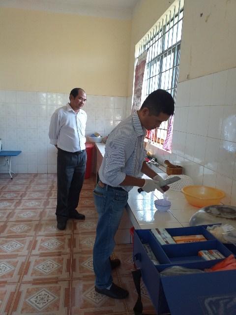 Hội Liên hiệp phụ nữ thị xã Buôn Hồ giám sát việc triển khai thực hiện vệ sinh an toàn thực phẩm