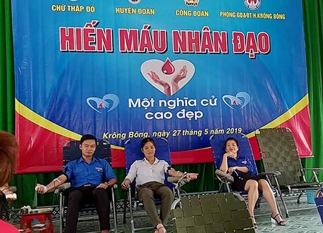 Hơn 200 người tham gia hiến máu nhân đạo tại huyện Krông Bông