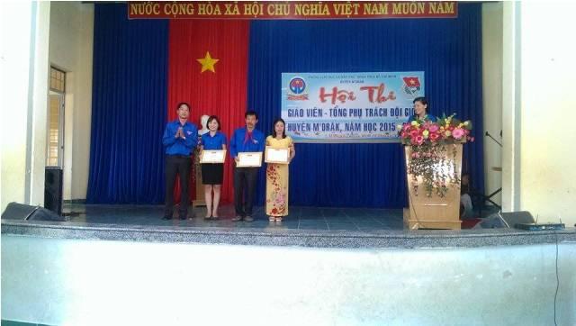 """M'Drắk: 16 giáo viên đạt """"Giáo viên Tổng phụ trách Đội giỏi"""" cấp huyện năm học 2015 – 2016"""