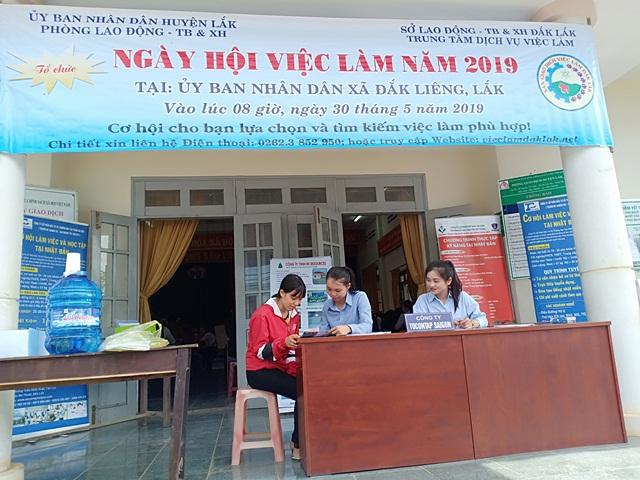 Ngày hội việc làm huyện Lắk năm 2019