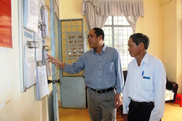 Xã Ea Drơng, huyện Cư M'gar dẫn đầu về số lượng hồ sơ TTHC được giải quyết theo dịch vụ công trực tuyến mức độ 3