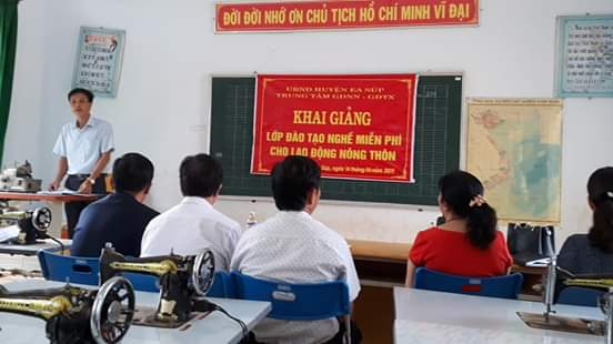 Khai giảng lớp đào tạo nghề miễn phí cho lao động nông thôn tại xã Ia Jlơi, huyện Ea Súp