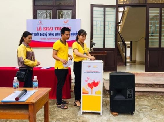 Lễ khai trương Quỹ nhân đạo hệ thống bưu điện huyện M'Đrắk.
