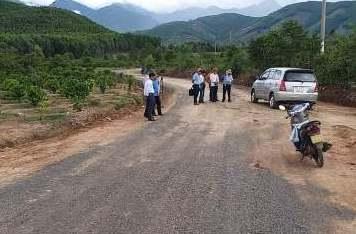 Khởi công làm đường giao thông và sửa chữa cầu treo vào thôn di cư ngoài kế hoạch Ea Khiêm và Noh Prông  (Hòa Phong)