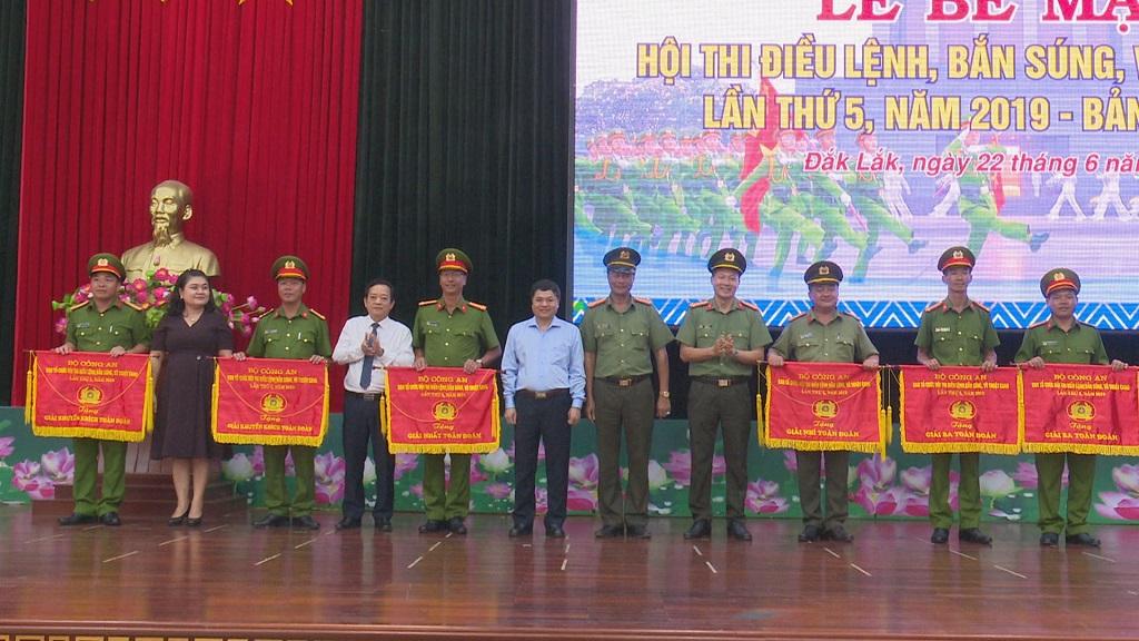 Bế mạc Hội thi điều lệnh, bắn súng, võ thuật Công an nhân dân: Công an tỉnh Đắk Lắk đạt giải Nhất