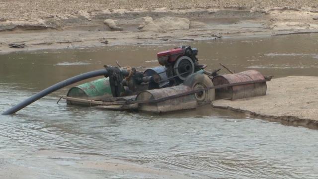 Huyện M'Đrắk tăng cường xử lý các hành vi khai thác, vận chuyển cát trái phép trên địa bàn