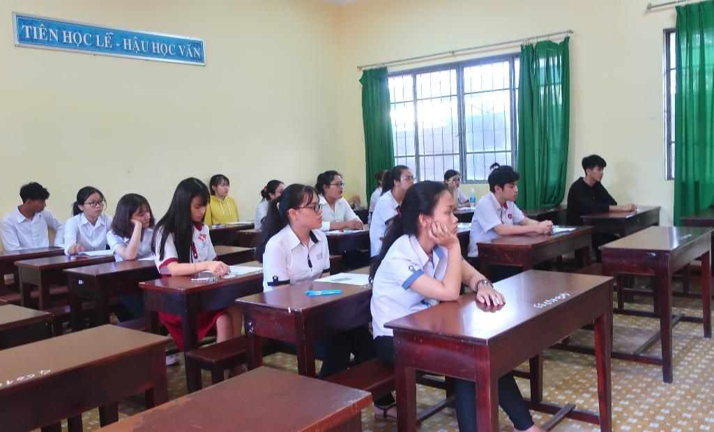 Đắk Lắk có 20.076 thí sinh dự thi môn Ngữ Văn, đạt tỉ lệ 99,56%