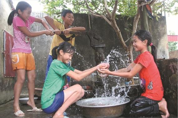 Tăng cường công tác quản lý nước sạch nông thôn.