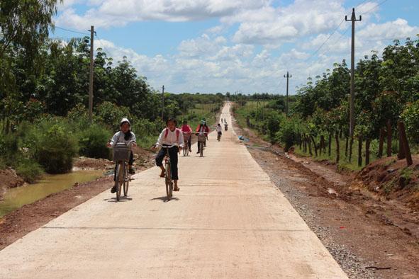 Cho chủ trương tiếp tục triển khai công trình Đường giao thông khu dân cư xã Ia Jlơi thuộc Dự án Quy hoạch sắp xếp dân cư xã Ia Jlơi, huyện Ea Súp