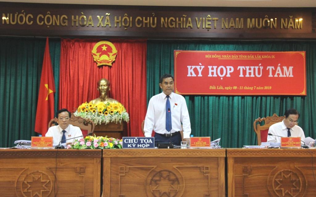 Phiên thảo luận hội trường Kỳ họp thứ Tám, HĐND tỉnh khóa IX