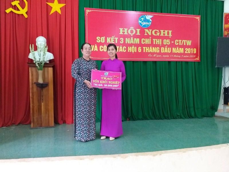 Hội Liên hiệp Phụ nữ huyện Cư M'gar sơ kết 3 năm thực hiện Chỉ thị 05-CT/TW