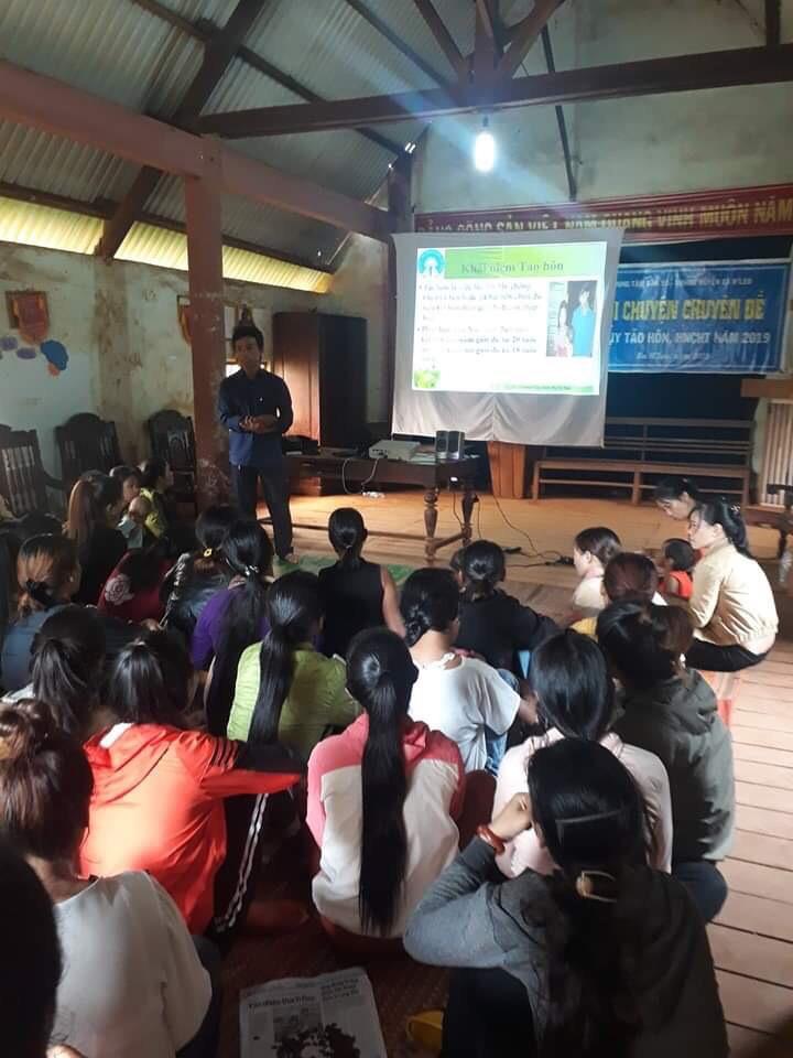 Hội Liên hiệp Phụ nữ huyện Ea H'Leo tổ chức buổi nói chuyện chuyên đề về hệ lụy tảo hôn và hôn nhân cận huyết thống