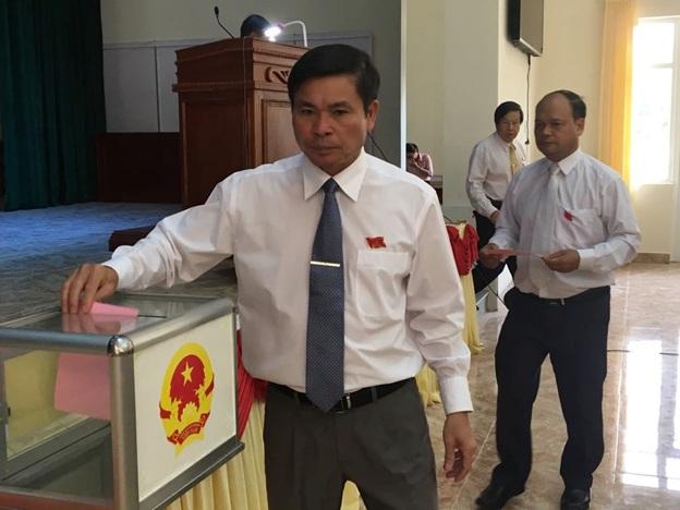 Kỳ họp thứ 8 Hội đồng nhân dân huyện Lắk khoá XI, nhiệm kỳ 2016 – 2021.