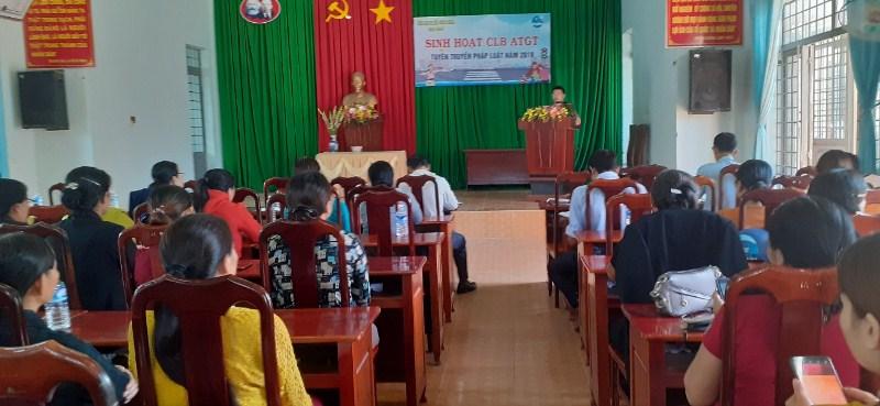 Hội Liên hiệp Phụ nữ xã Bình Hòa, huyện Krông Ana tổ chức buổi sinh hoạt Câu lạc bộ an toàn giao thông