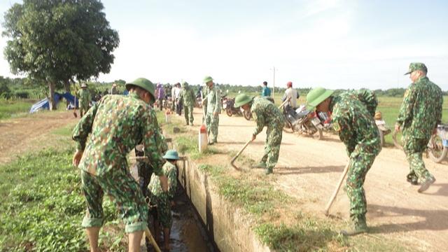 Ban Chỉ huy Quân sự huyện Buôn Đôn ra quân triển khai công tác dân vận