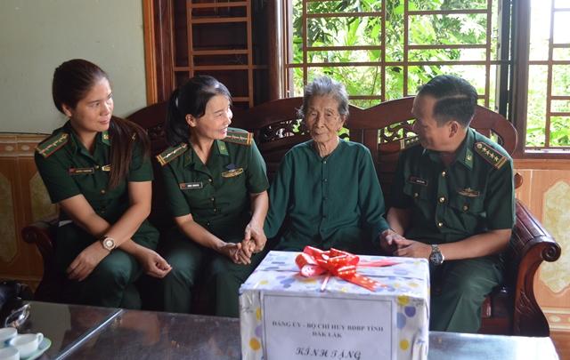 Bộ đội Biên phòng tỉnh Đắk Lắk nhiều hoạt động đền ơn đáp nghĩa