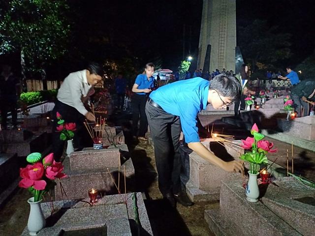Huyện Lắk thắp nến tri ân các anh hùng liệt sỹ