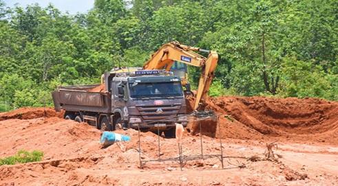 Phê duyệt Phương án đấu giá quyền khai thác mỏ sét sản xuất gạch tại xã Ea Uy, huyện Krông Pắc