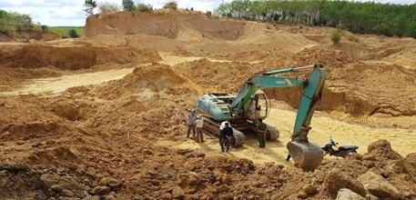 Phê duyệt Phương án đấu giá quyền khai thác mỏ sét sản xuất gạch tại xã Ea Yiêng, huyện Krông Pắc