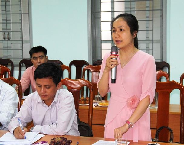 Lãnh đạo Văn phòng UBND tỉnh tham gia ý kiến tại cuộc họp