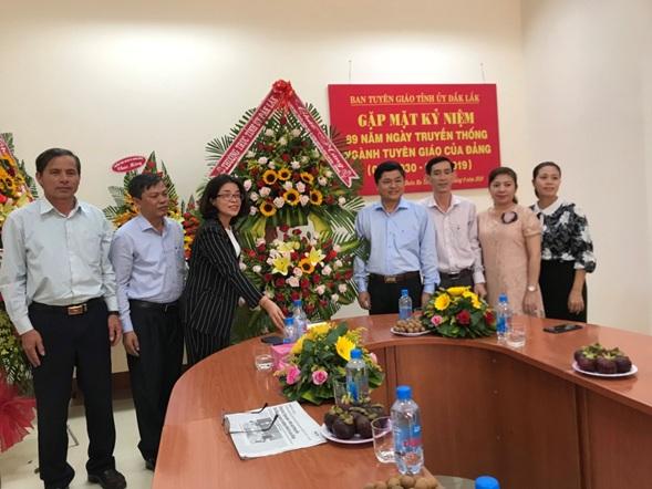 Thường trực Tỉnh ủy chúc mừng Ngày truyền thống ngành Tuyên giáo của Đảng