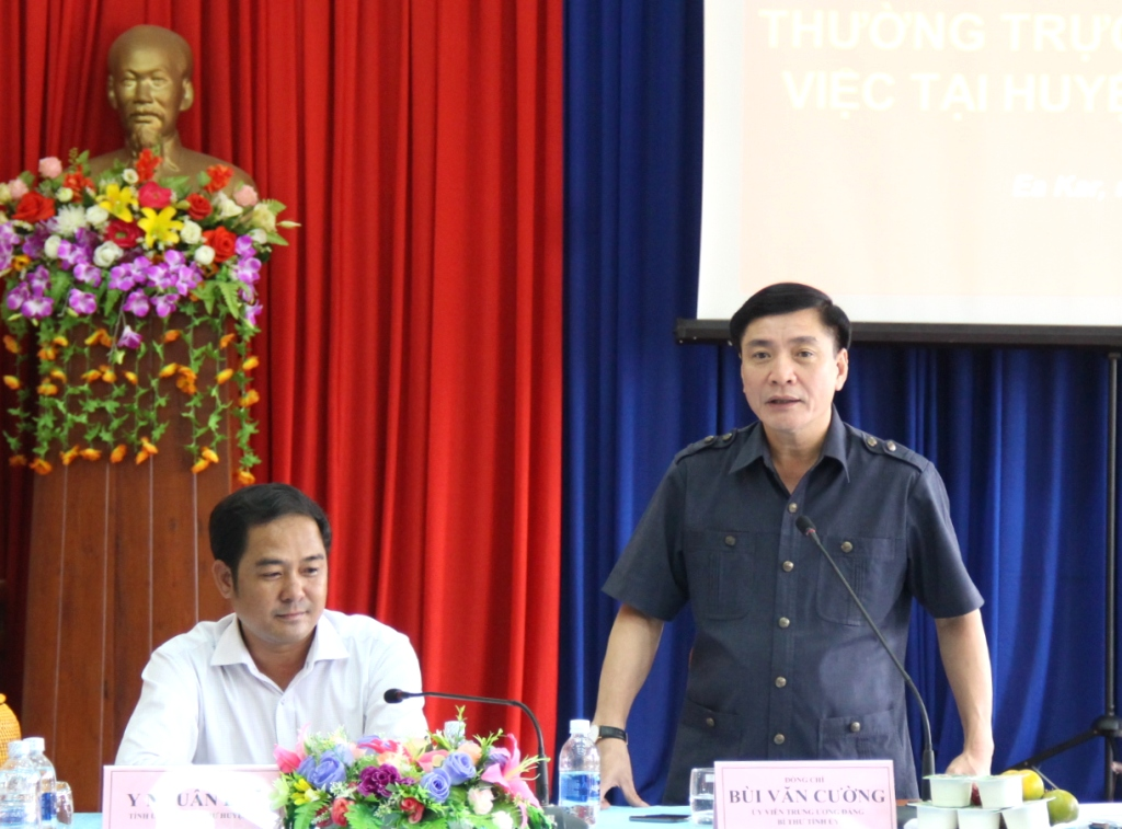 Đoàn công tác của Thường trực Tỉnh ủy làm việc với Huyện ủy Ea Kar