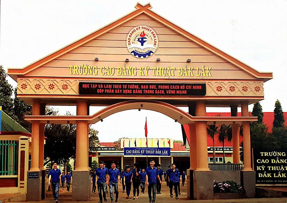 Phê duyệt Báo cáo kinh tế - kỹ thuật đầu tư xây dựng Công trình: Trường Cao đẳng Kỹ thuật Đắk Lắk hạng mục: Cải tạo Khu hành chính, phòng truyền thống