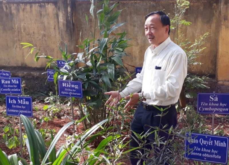 Xã  Dang Kang, Krông Bông làm tốt công tác khám chữa bệnh bằng y dược cổ truyền
