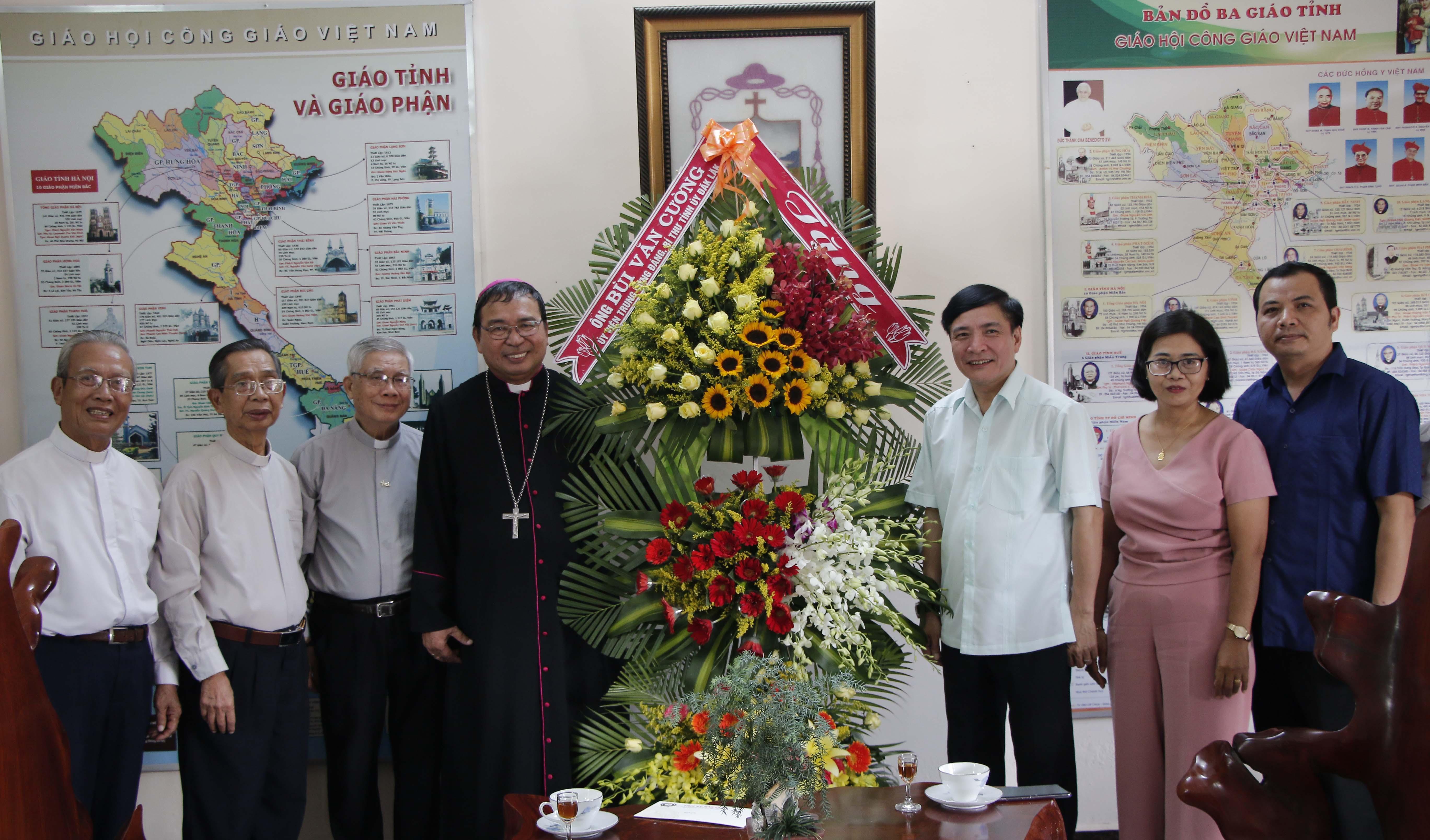 Bí thư Tỉnh ủy thăm và làm việc với các cơ sở tôn giáo