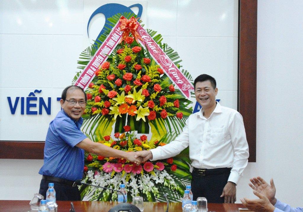 Sở Thông tin & Truyền thông thăm, chúc mừng Bưu điện tỉnh và VNPT Đắk Lắk.