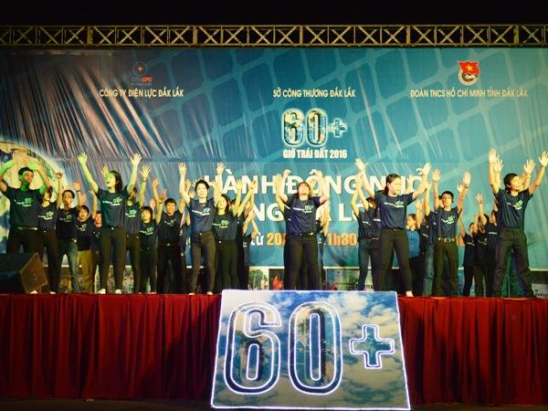 Tuổi trẻ Đắk Lắk hưởng ứng Giờ trái đất năm 2016
