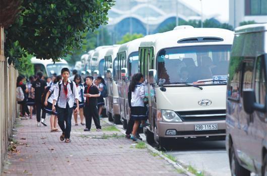 Bảo đảm an toàn giao thông đối với xe ô tô đưa đón học sinh