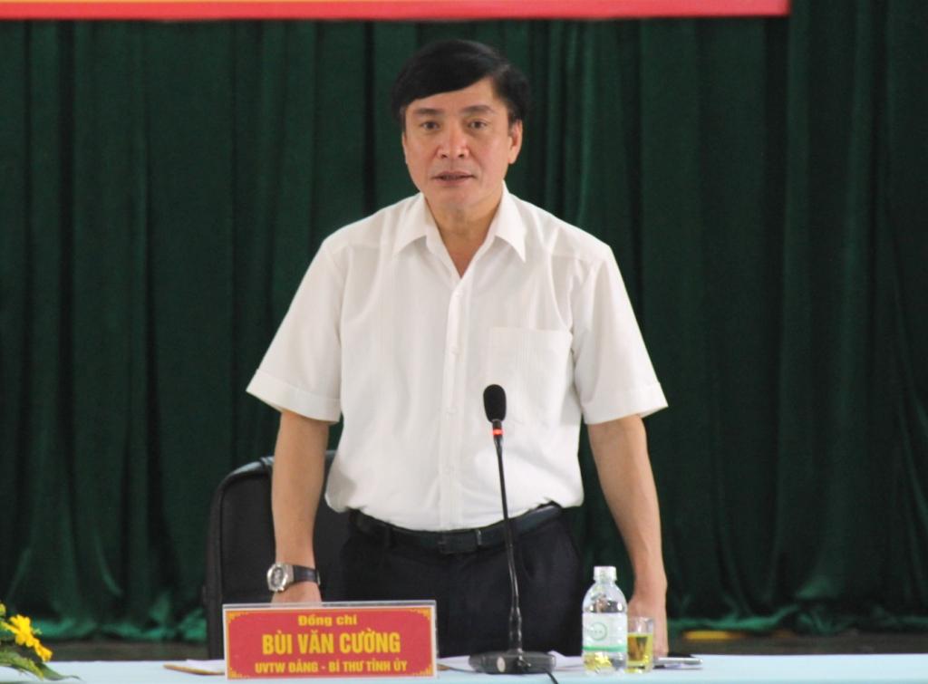 Đoàn công tác của Tỉnh ủy làm việc với Huyện ủy Cư Kuin