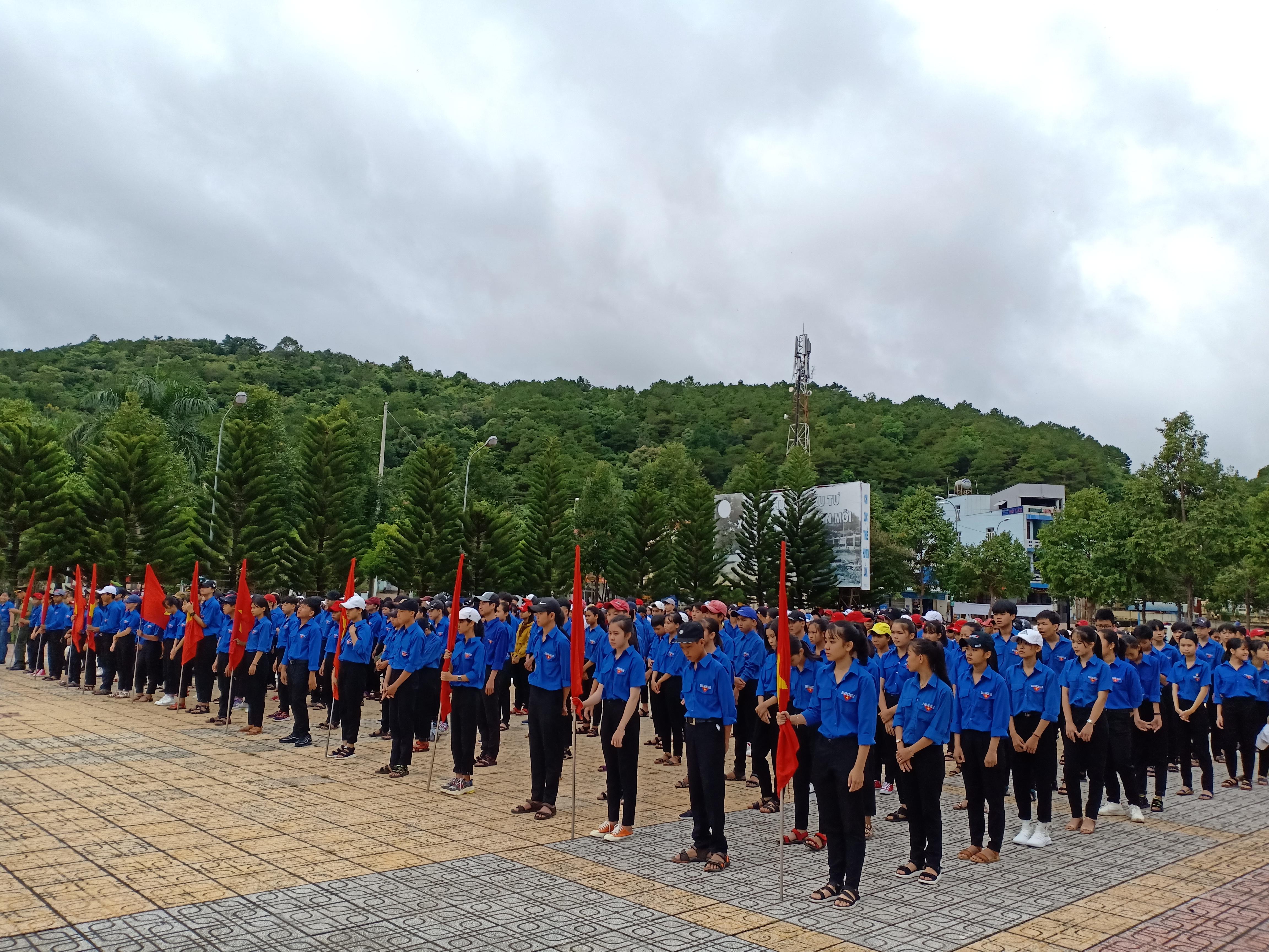 Huyện Lắk sôi nổi Lễ phát động hưởng ứng Tháng An toàn giao thông năm 2019