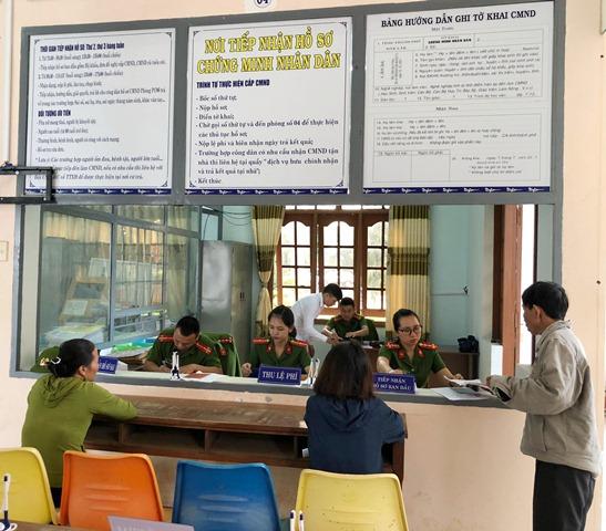 Công an huyện Krông Ana triển khai cấp, đổi chứng minh nhân dân tại Bộ phận một cửa của huyện