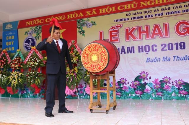 Trường THPT Buôn Ma Thuột khai giảng năm học mới