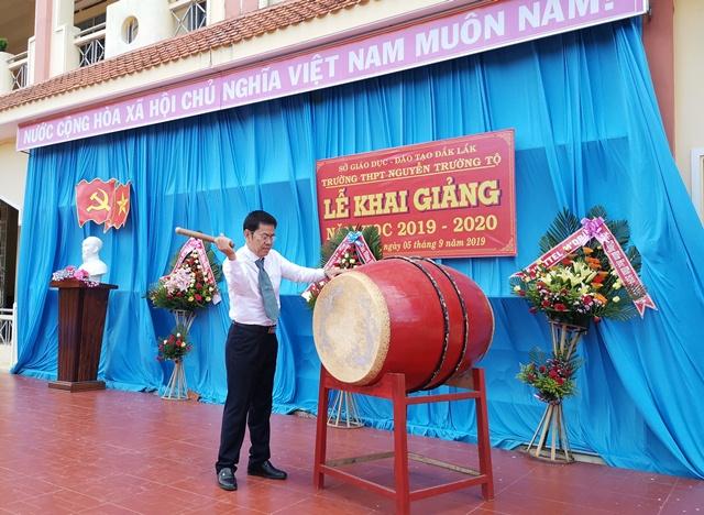 Trường THPT Nguyễn Trường Tộ, huyện M'Đrắk khai giảng năm học mới