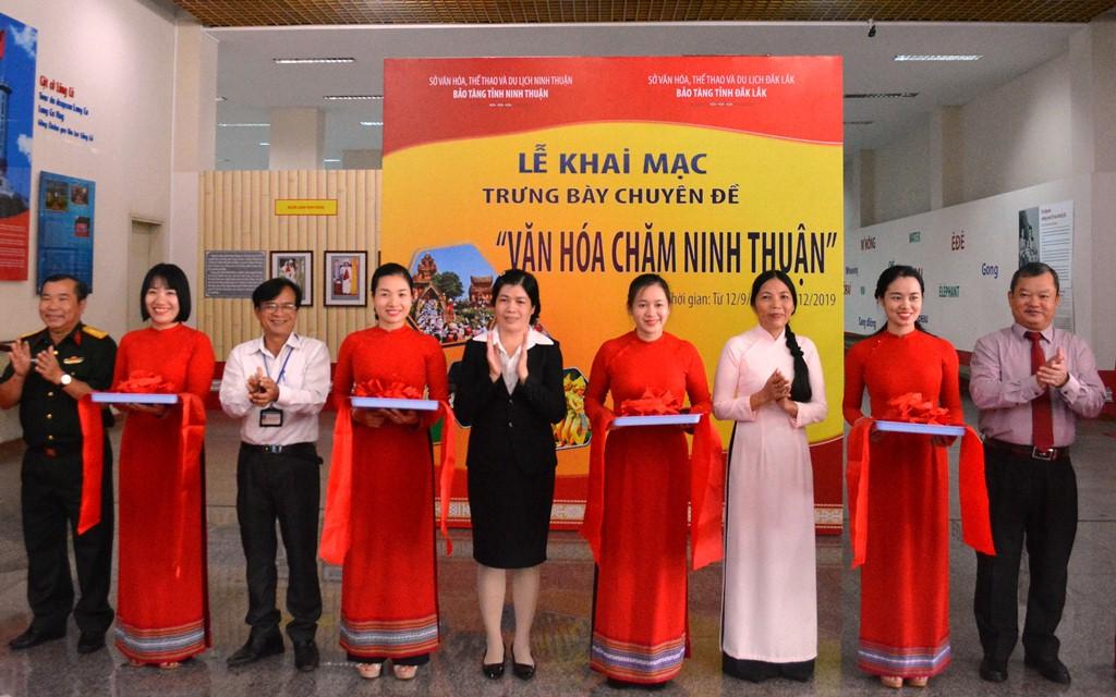 """Trưng bày chuyên đề """"Văn hóa Chăm Ninh Thuận"""" tại Bảo tàng tỉnh Đắk Lắk"""