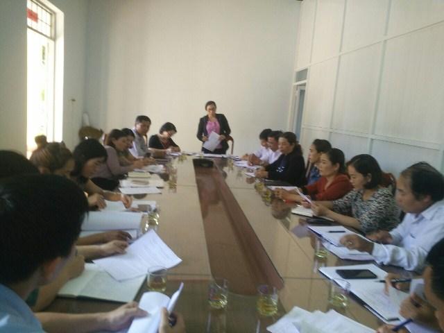 Hội Liên hiệp Phụ nữ huyện Krông Búk giám sát việc thực hiện Nghị định 56/2012/NĐ-CP tại Ủy ban nhân dân xã Cư Né.
