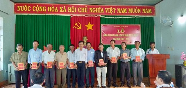Lễ công bố phát hành cuốn Lịch sử Đảng bộ xã Hòa Lễ