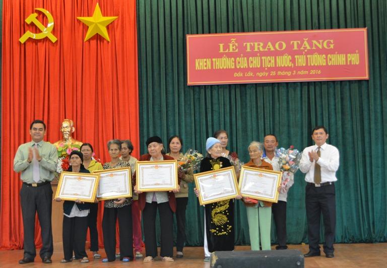Lễ trao tặng các hình thức khen thưởng của Chủ tịch nước, Thủ tướng Chính phủ.