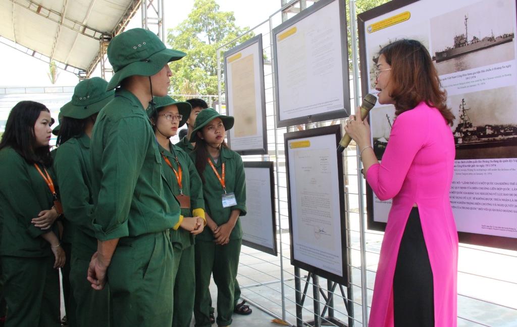 """Khai mạc Triển lãm bản đồ và trưng bày tư liệu """"Hoàng Sa, Trường Sa của Việt Nam – Những bằng chứng lịch sử pháp lý"""""""